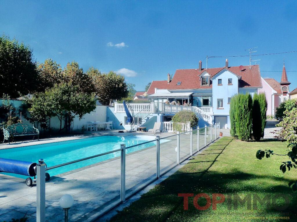 Maison de caractère 196 m2 – 8/9 pièces – piscine